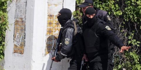 la-fg-tunisia-museum-attack-20150318