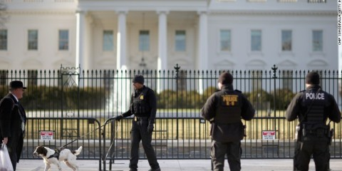 150416113355-white-house-fence-security-exlarge-169