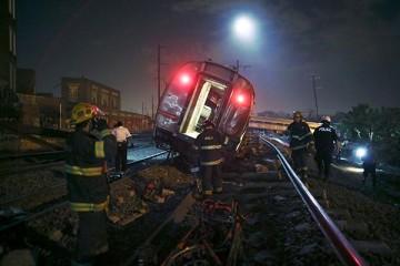 051315-wpvi-train-derailment-AP-img-5