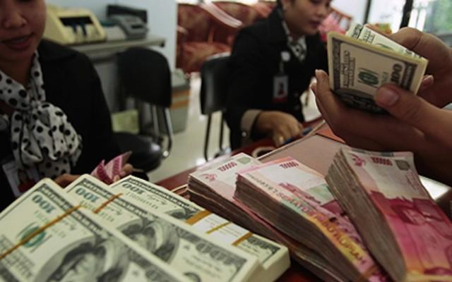 rupiah-dollar.si