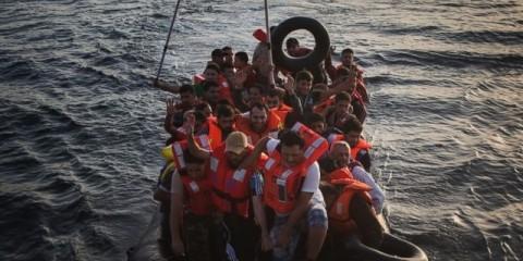 ap_refugee_02_lb_150907_16x9_992