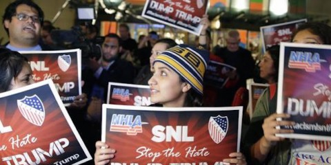 la-et-st-donald-trump-snl-protests-20151105-001