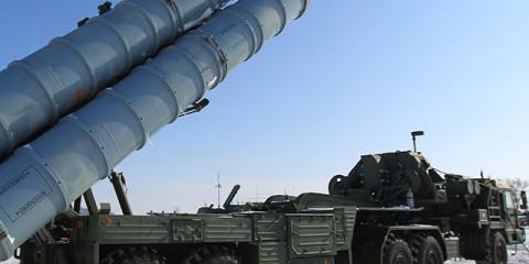 862799 02/16/2011 An S-400 Triumf (NATO reporting name SA-21 Growler) air defense system prepared to be put into service at Russia's state Kapustin Yar firing range. Valeriy Melnikov/Sputnik
