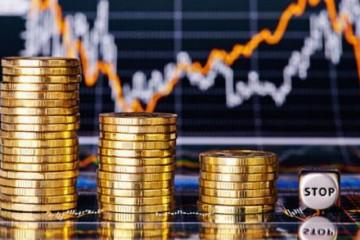 Economic_downtrend_concept_sergey_p_Fotolia_large