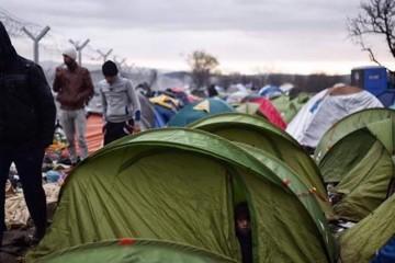 topshot-greece-macedonia-europe-migrants_71e50c80-e48c-11e5-872f-c4e2863eb78d
