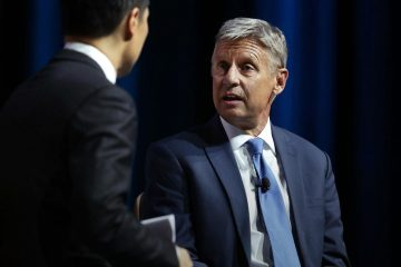LAS VEGAS, NV - AUGUST 12:  Libertarian presidential nominee Gary Johnson (R) speaks to moderator Richard Lui (L) of MSNBC during a 2016 Presidential Election Forum, hosted by Asian and Pacific Islander American Vote (APIAVote) and Asian American Journalists Association (AAJA), at The Colosseum at Caesars Palace August 12, 2016 in Las Vegas, Nevada. The forum provided an opportunity for presidential candidates or their representatives to speak to Asian voters directly.  (Photo by Alex Wong/Getty Images)
