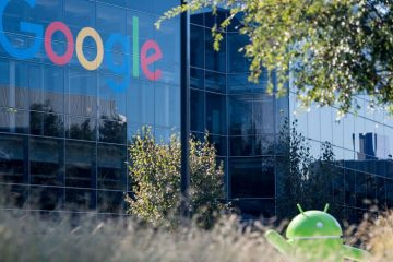 A Google logo and Android statue are seen at the Googleplex in Menlo Park, California on November 4, 2016.  / AFP / JOSH EDELSON        (Photo credit should read JOSH EDELSON/AFP/Getty Images)