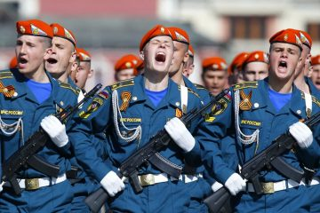 russian-military-parade-soldiers-1