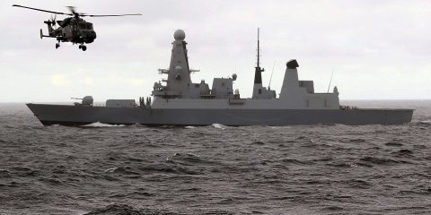 3995ED4F00000578-0-British_Royal_Navy_type_45_destroyer_HMS_Duncan_is_pictured_with-a-15_1477522057521