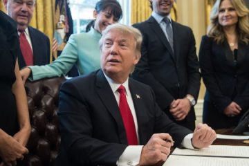 US President Donald Trump speaks before signing an executive order with small business leaders in the Oval Office at the White House in Washington, DC, on January 30, 2017. / AFP / NICHOLAS KAMM        (Photo credit should read NICHOLAS KAMM/AFP/Getty Images)