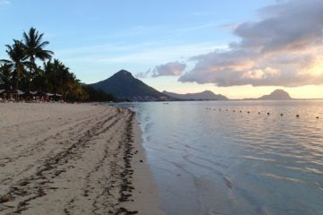 636215488091847413-Mauritius-beach-mountains-scenery