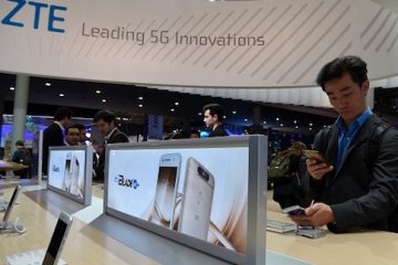 A visitor tests ZTE Blade v8 phone on the first day of the Mobile World Congress in Barcelonaon on February 27, 2017 in Barcelona. Phone makers will seek to seduce new buyers with artificial intelligence functions and other innovations at the world's biggest mobile fair starting today in Spain.   / AFP / LLUIS GENE        (Photo credit should read LLUIS GENE/AFP/Getty Images)